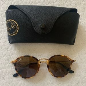 Ray Ban Round Fleck glasses, brand new !
